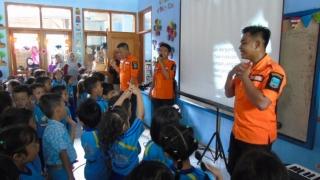 Bernyanyi Bersama Lagu Gempa dan Tsunami