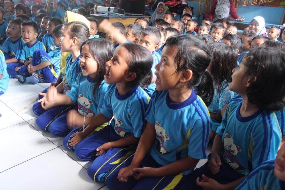 Keceriaan Anak-Anak Pada Saat Mengikuti Materi