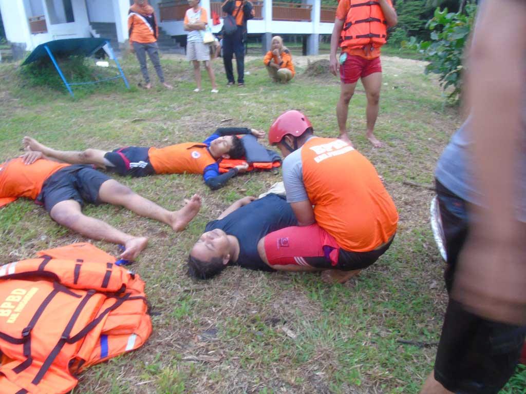 simulasi penyelamatan korban